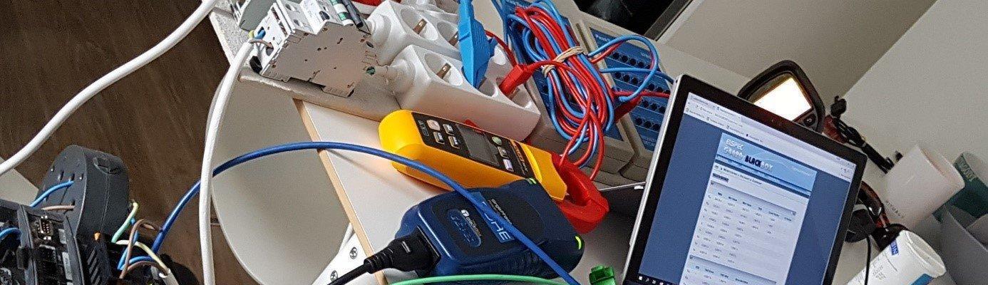 Portabelt laboppsett for å feilsøke elbilladeproblemer